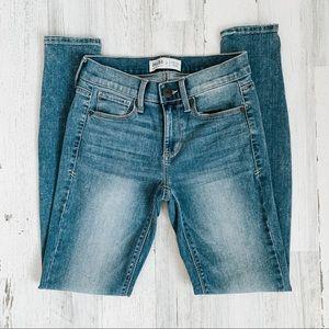Mudd FLX Stretch Low Rise Skinny Jeans Size 3